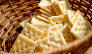 Small crackers